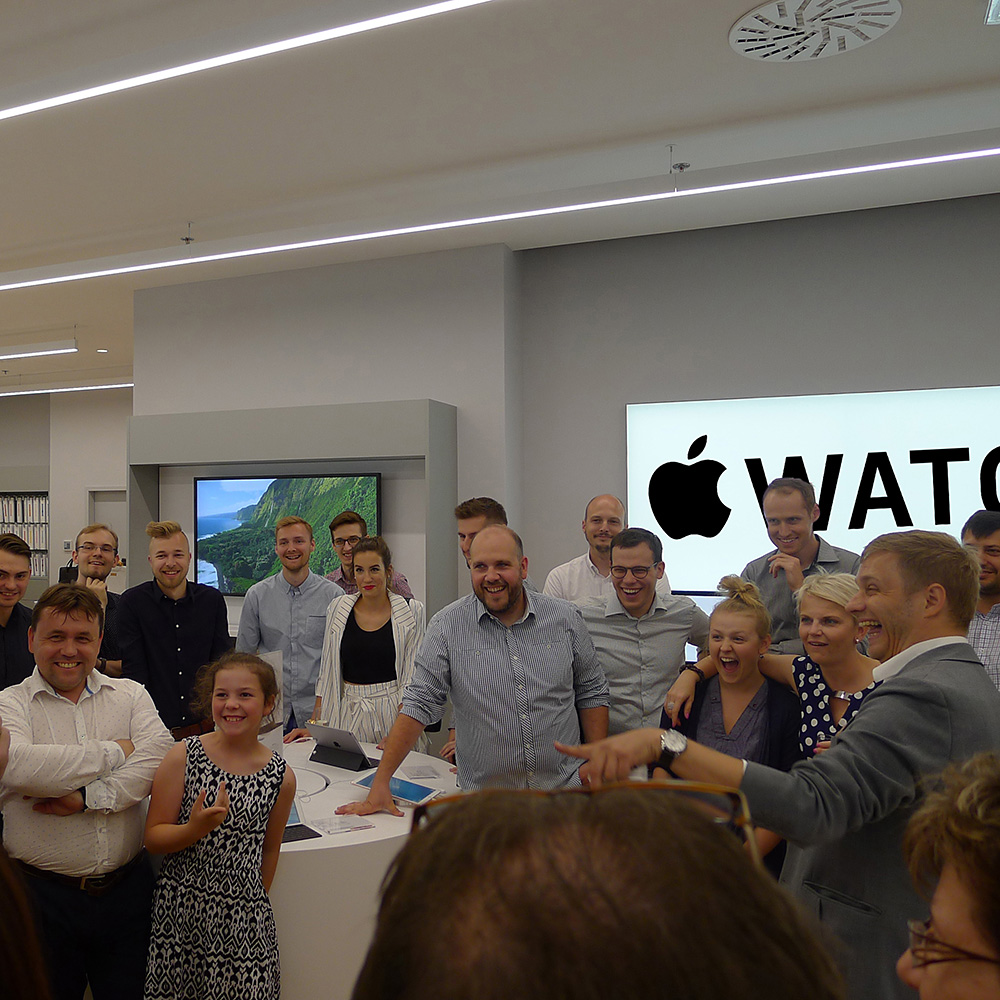 Kouzelnik Robert Fox Magic show APPLE store magician zauberer